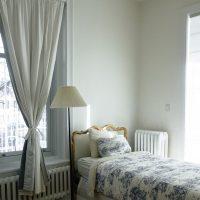 Poser rideau sans percer: les astuces